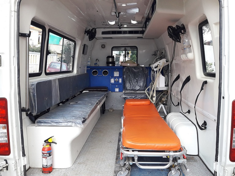 ambulance service providers in zirakpur